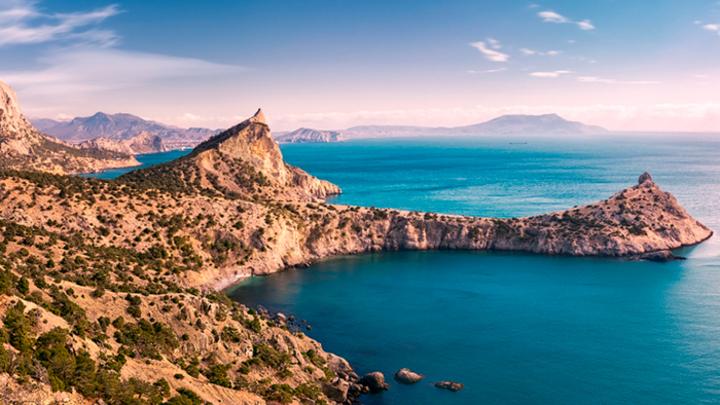 Крымнаш, но: Зачем Aviasales сообщает о дорогом отдыхе в Крыму?