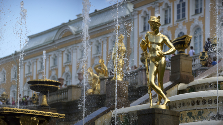 Условный срок за кражу у «петербургского Версаля»: подрядчик похитил у «Петергофа» 42 млн рублей
