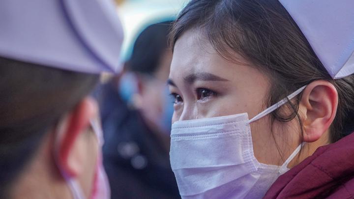 Так выглядит коронавирус: Видео страшных судорог китайца напугало Сеть