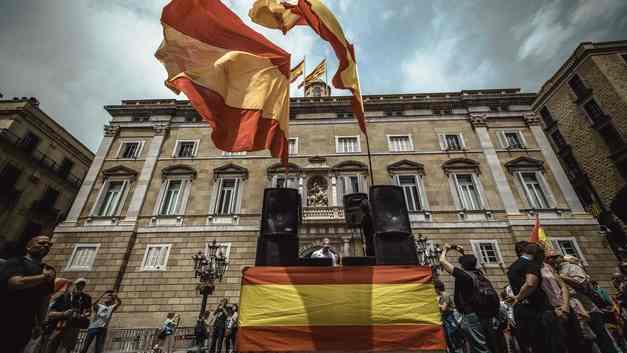 Новый глава Каталонии сразу же пошел на поклон к Мадриду