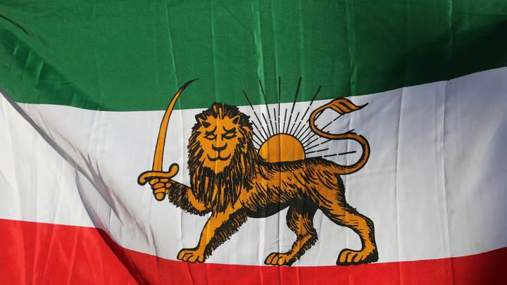 Бьют тревогу: У берегов Ирана замечен эсминец-химовоз США