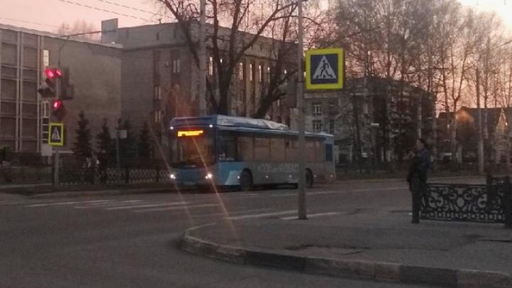 На Радоницу в Новокузнецке 22 автобуса будут ходить на кладбища