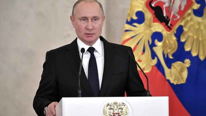 Американский Путин: С новогодним обращением для жителей США выступил ненастоящий президент РФ