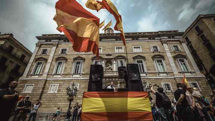Независимости не ждите: Испания снова подавила протесты в Барселоне