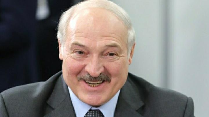 Лукашенко поздравил белорусов с новым государственным праздником