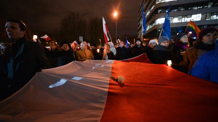 Украинской делегации в Польше с помощью полиции объяснили, какие лозунги лучше не говорить