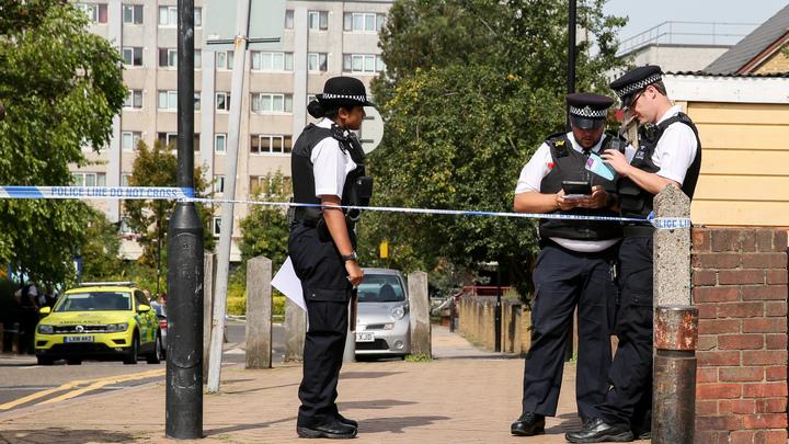 Убил экс-подругу, закопал во дворе и неделю изображал ее живой: Циничное убийство шокировало Британию