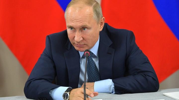 «Буду просить папу, чтобы не строго наказывал»: Путин заступился за Нурмагомедова