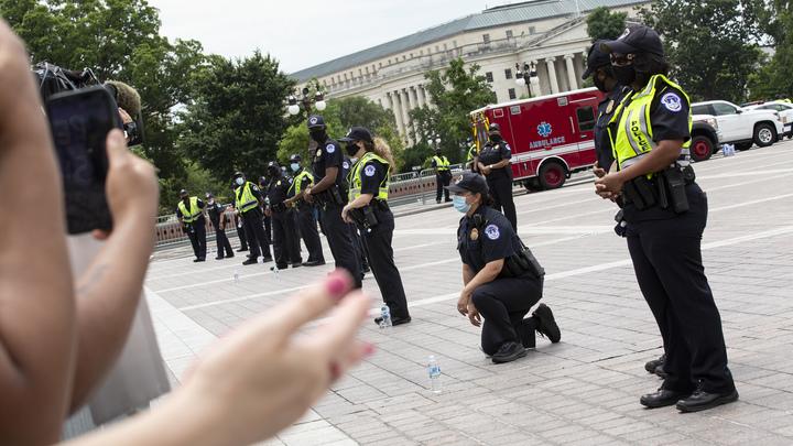 Пожалуйста, поненавидьте нас тоже!: Поляки массово попадали среди улицы в поддержку чернокожих