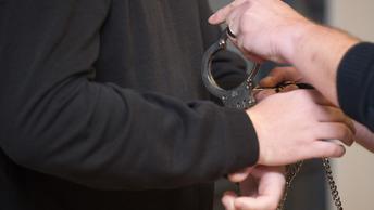 В Стокгольме арестован хулиган, устроивший погром в торгпредстве России
