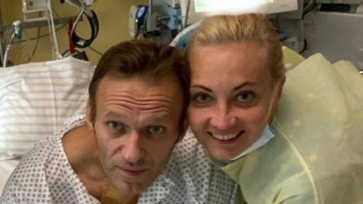 Навальный вылил ушат грязи на своих спасителей из Омска: Готовы ждать, пока я умру