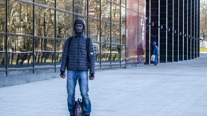 Да это же пешеходы: Милонов придумал, что делать с нарушающими ПДД самокатчиками и гироскутеристами