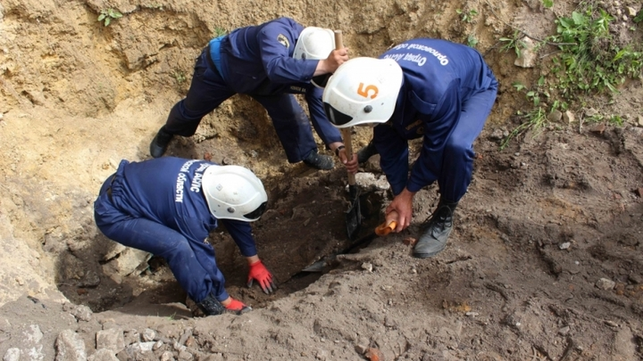 Следком назвал причину обрушения траншеи с рабочим в Новосибирске