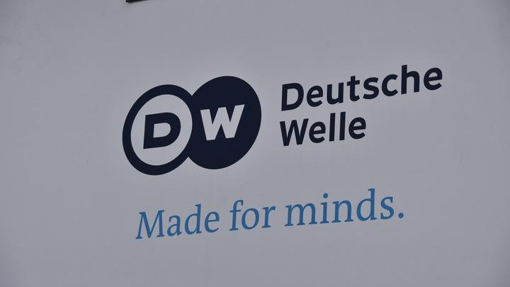 Вот вам санкции: Немецкая Deutsche Welle пожелала русским пенсионерам столоваться по помойкам