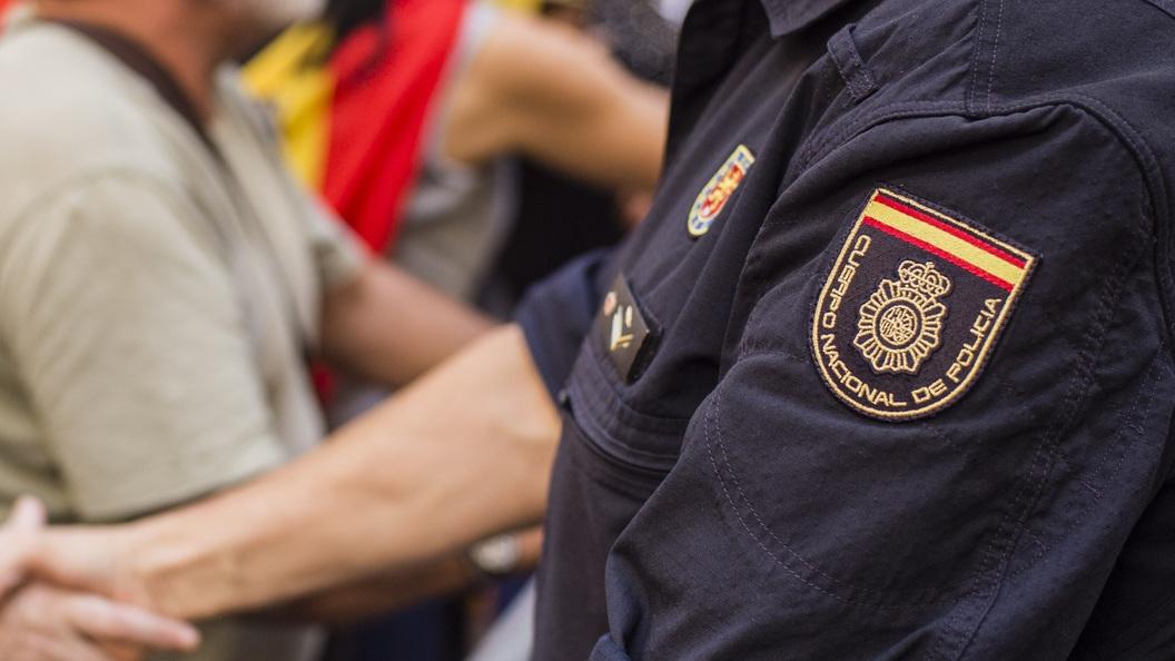 Впригороде Барселоны взорвался заминированный автомобиль, проинформировали СМИ