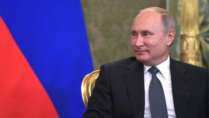 «Надо осознать, где находимся»: Путин потребовал от чиновников не спать на ходу