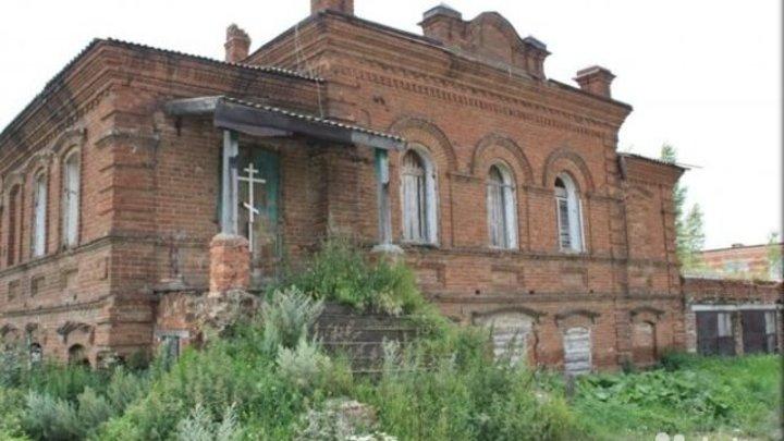 В Свердловской области продают на кирпичи здание старинной земской школы