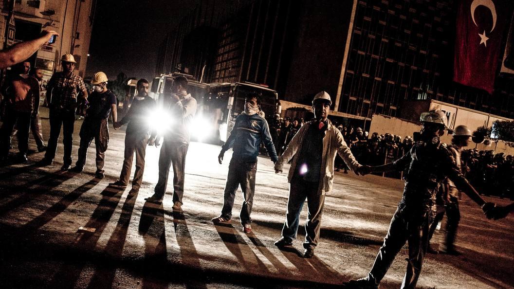 Годовщина попытки переворота в Турции: уволено семь тысяч силовиков и госслужащих