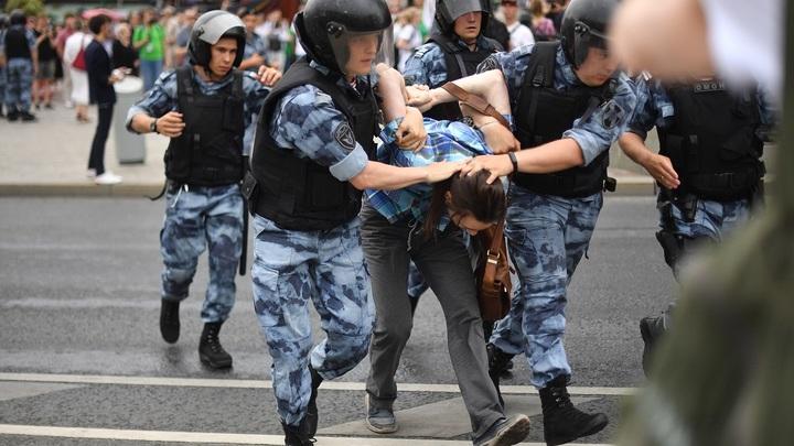 Незаконные митинги в Москве нанесли столице ущерб на 106 млн рублей – источник