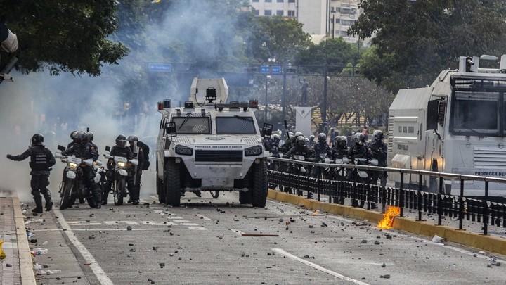 Венесуэла станет Сирией-2? Право на применение вооружённых сил за рубежом у России есть