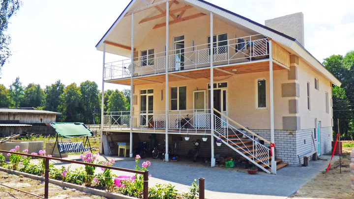 Многодетной семье из Вознесенского района, потерявшей жильё в пожаре, подарили новый дом
