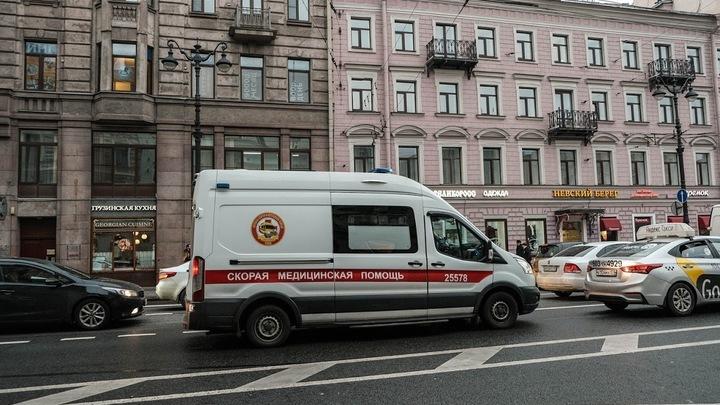 «Ладно, с богом!» Пострадавшая во время митинга в Петербурге простила пнувшего ее полицейского