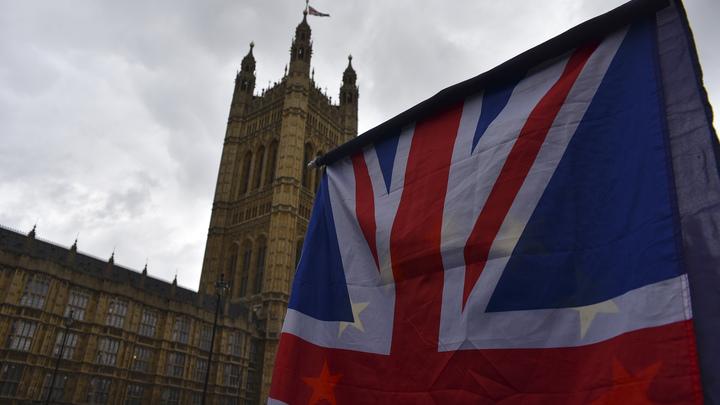 Политолог: России надо разорвать дипотношения, пока англосаксы не разорвали нас