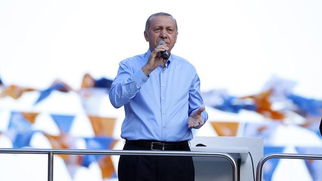 В республике «имени Эрдогана» сменился строй и министр обороны