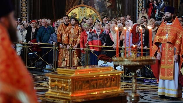 Более 25 тысяч верующих поклонились мощам Николая Чудотворца в Москве