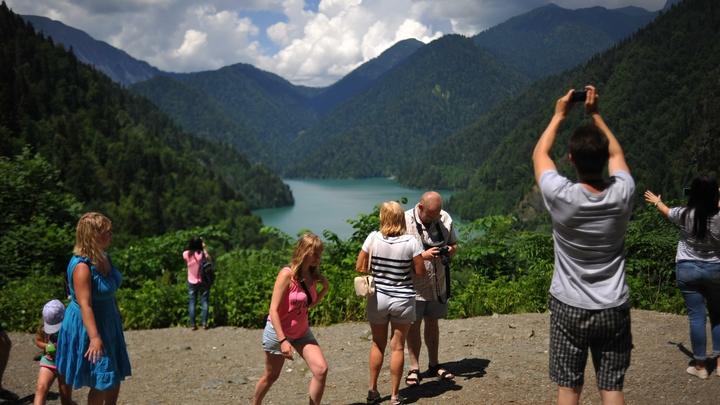 Русских туристов предупредили о разводе с экскурсиями в Абхазии: По факту - обман