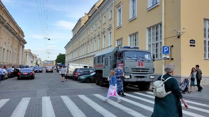 Беглов: Положительная тенденция есть, но третья волна пандемии еще не стихла в Петербурге