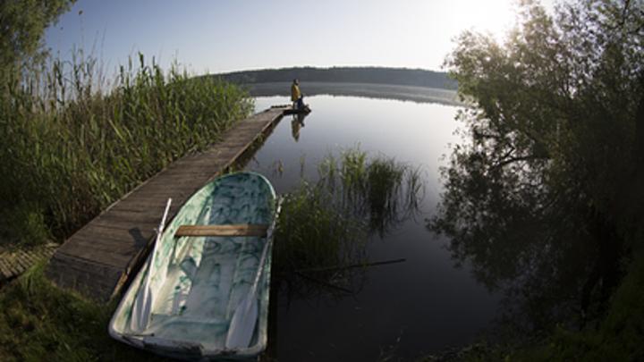 На российской границе задержали беглых кубинцев на надувных матрасах