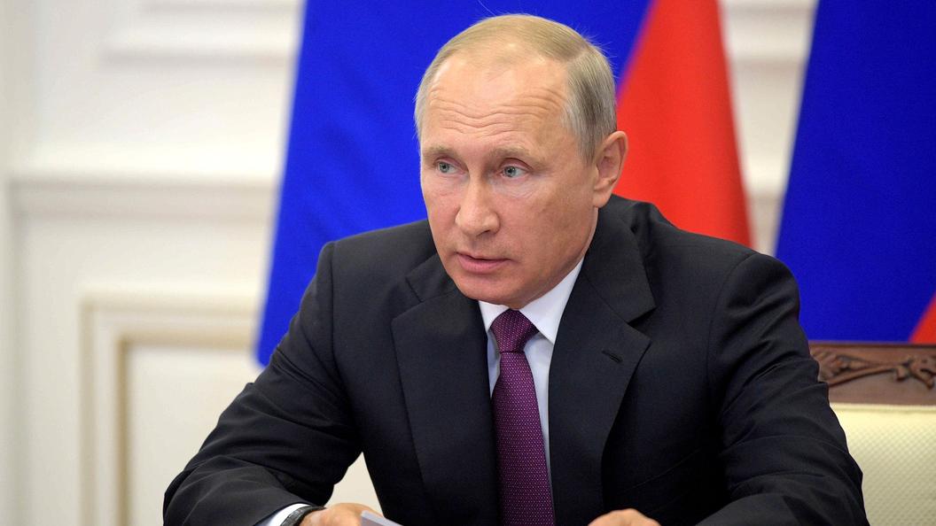 Путин поручил кабмину заняться реализацией проекта по уходу за пожилыми и инвалидами