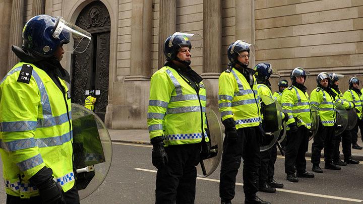 Перестрелка у посольства Украины в Лондоне: Злоумышленник протаранил машину посла – СМИ