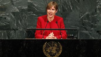 Президент Эстонии на месяц переедет в русский город