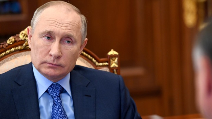 Путин заявил, что разговоры о его преемнике дестабилизируют ситуацию в России