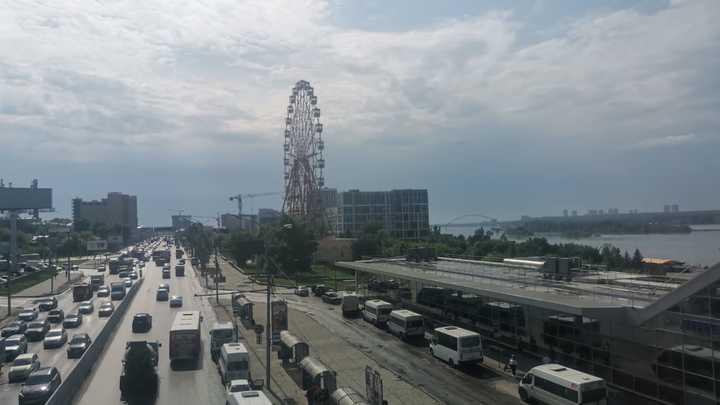 Обрыв проводов спровоцировал многокилометровую пробку в Новосибирске