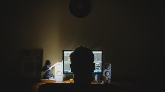 Шалтай-Болтай набирал хакеров в свои ряды по объявлениям