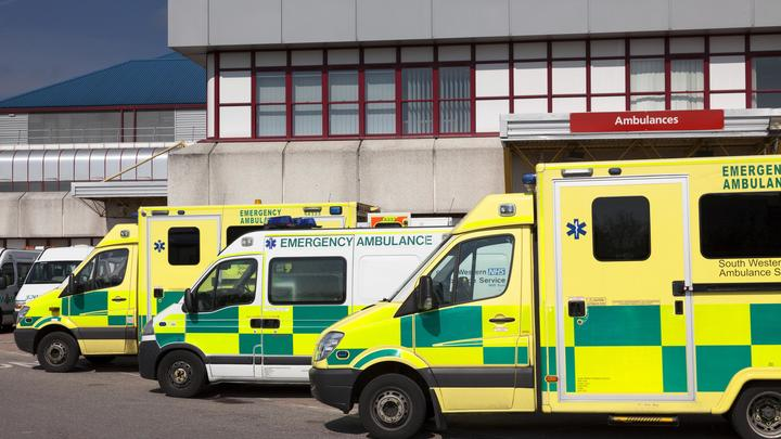 Неуправляемый автомобиль врезался в толпу в британском Манчестере, есть пострадавшие