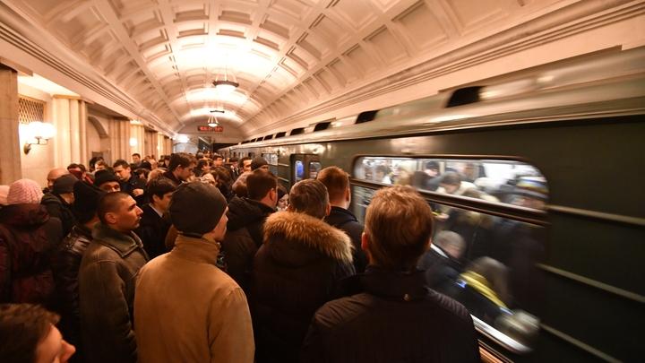 Жители Новосибирска пожаловались на давку в метрополитене
