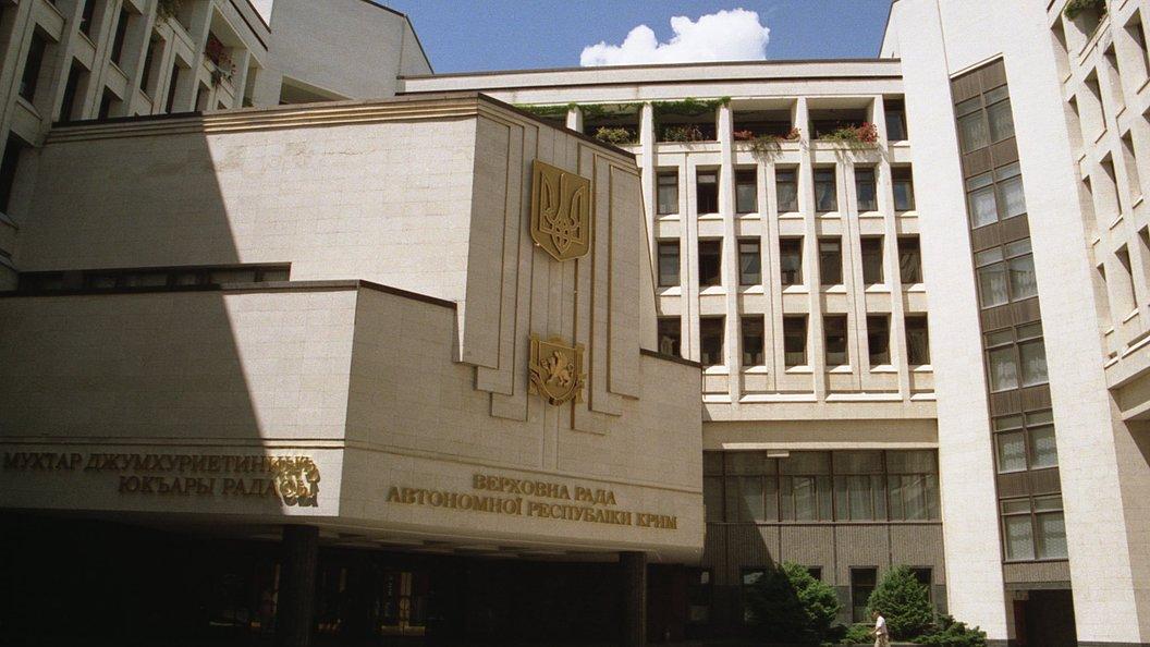 В Верховной раде заявили, что бронетехнику к зданию подогнали ради НАТО