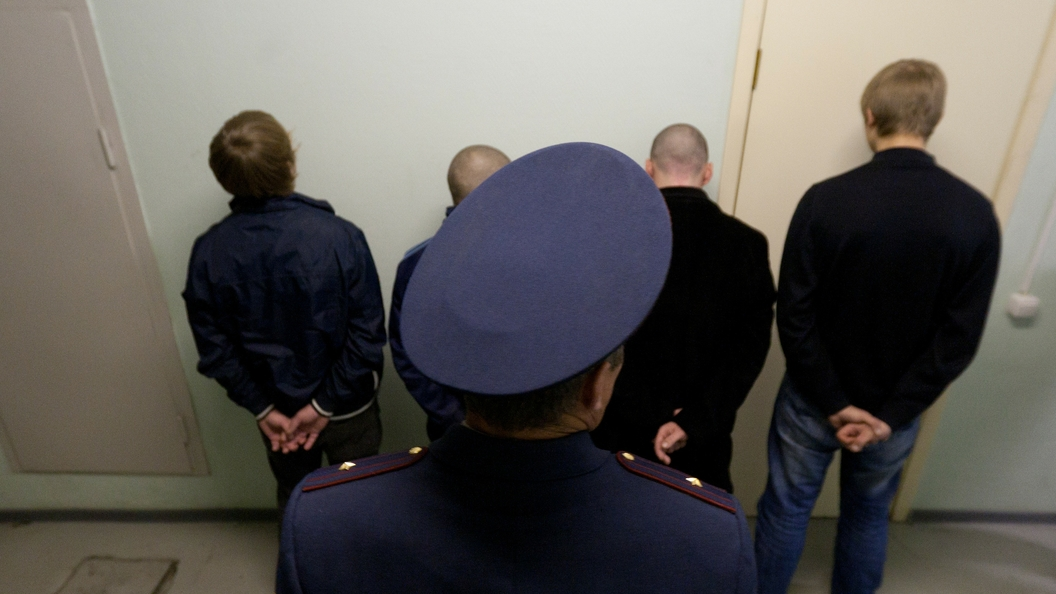 Минюст хочет в 10 раз строже карать за контрабанду в тюрьмах