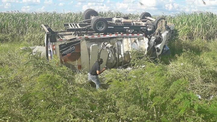Девочке руки не ампутировали, один турист лишился руки при аварии: Пассажирка об аварии в Доминикане