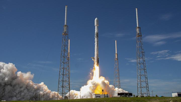 Не НЛО, а спутники Маска: Эксперт о странном видео космонавта с МКС