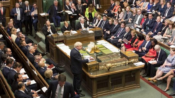 Ультиматум Джонсона не сработал: Британский парламент отверг идею о досрочных выборах