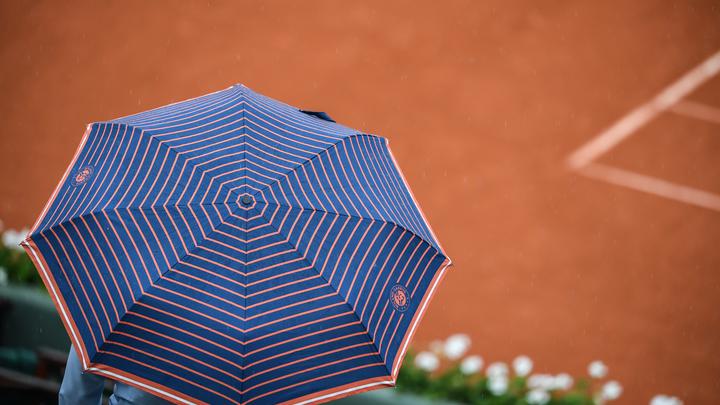 В Японии создали «умный» летающих зонт, знающий, кто его хозяин