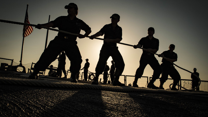 Провокация не достигла результатов: Эксперт о приближении американского эсминца к границе России