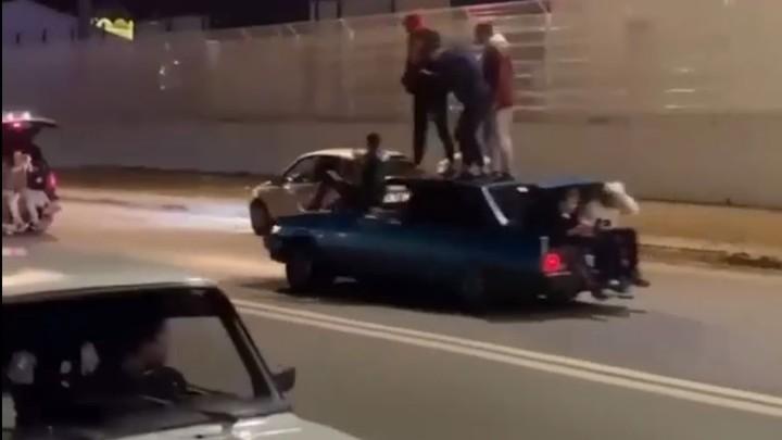 Сотрудники полиции разогнали уличных гонщиков возле футбольного стадиона «Нижний Новгород»