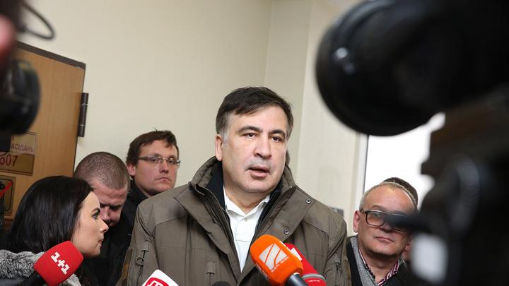 Одного было мало: Саакашвили написал Порошенко ещё одно письмо