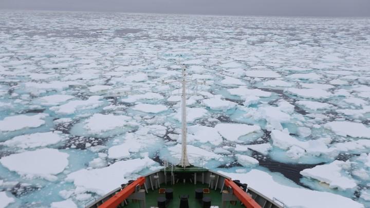 «Арктика» почти готова: В Петербурге начались финальные испытания новейшего российского ледокола - фото
